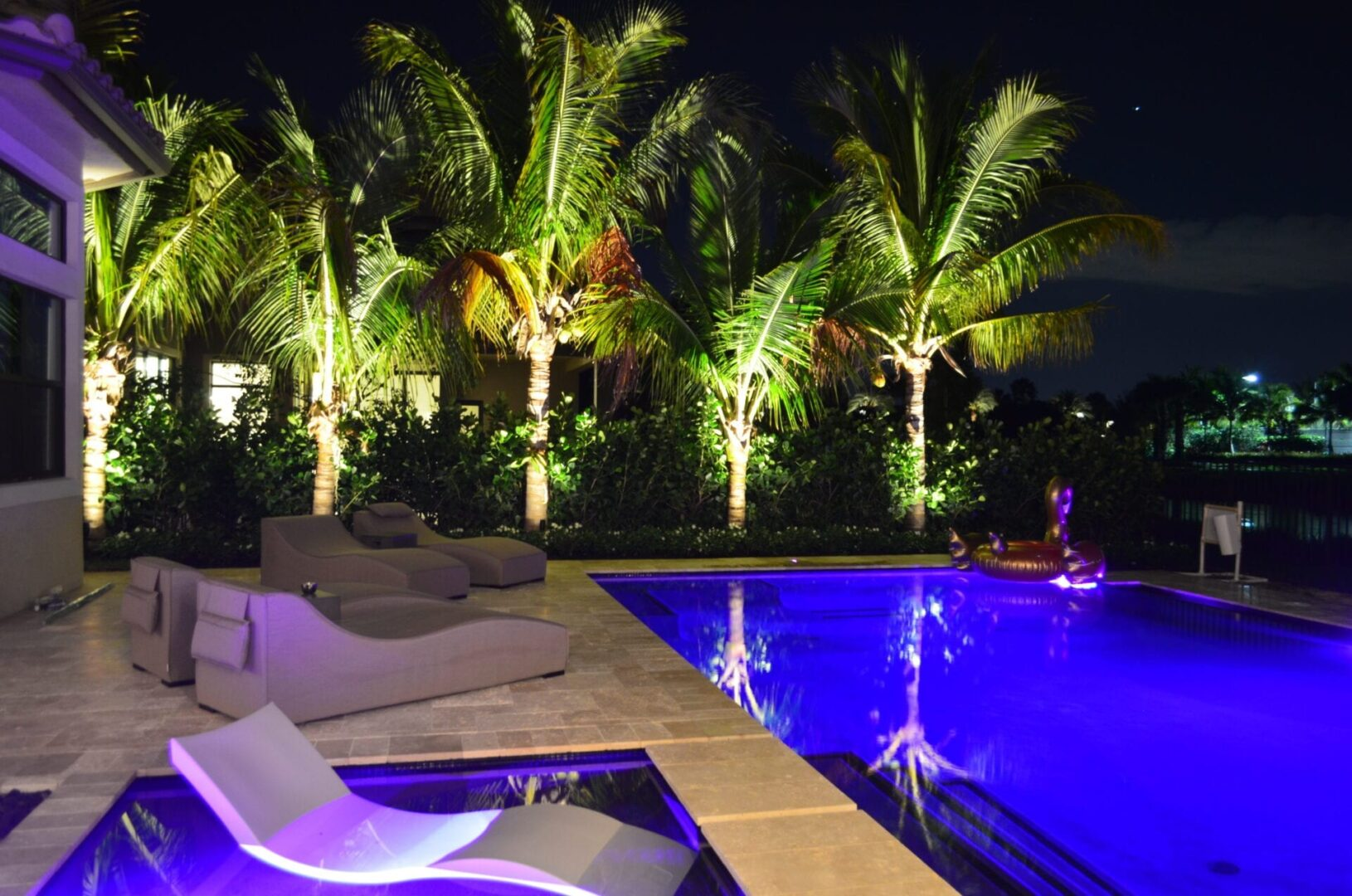 LED Landscape Lighting Pool