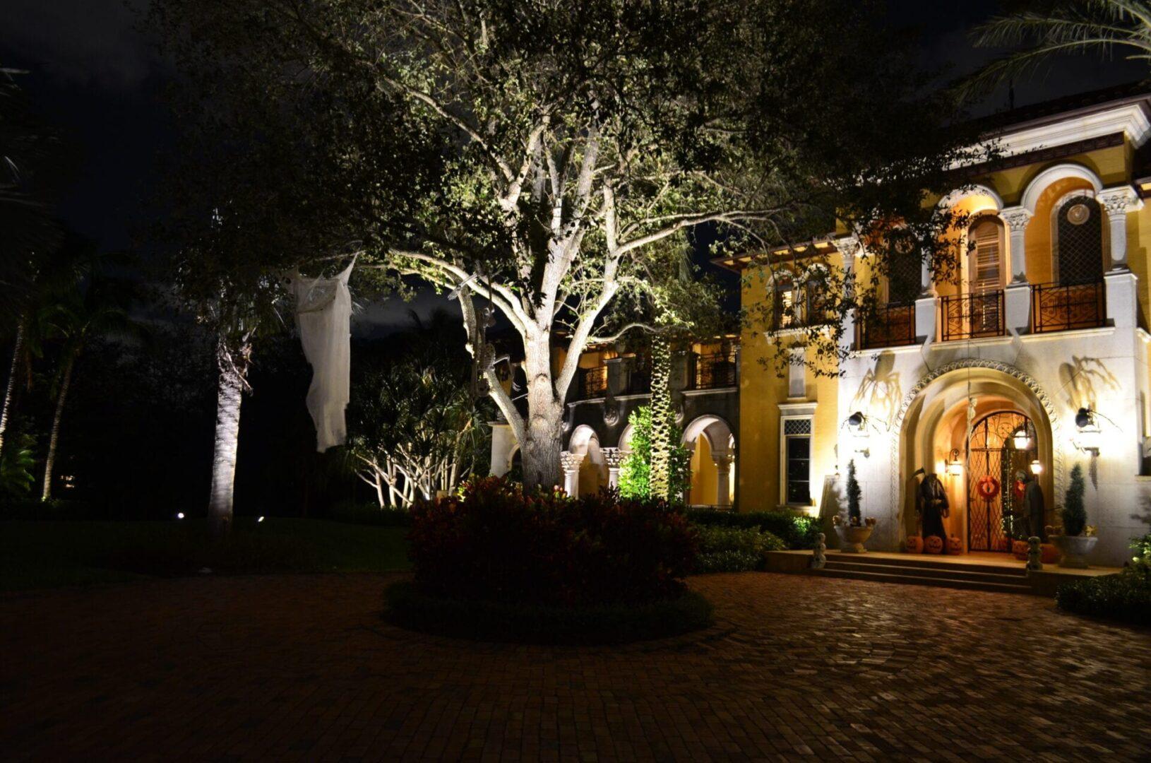 Residential Landscape Lighting LED Lights